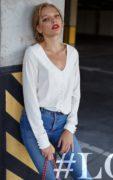 """На  Насте блуза молочная  на пуговицах с шелковыми петелями #LOVE Фото: Денис Груба Макияж и укладка салон красоты """"Руки Ножницы"""""""